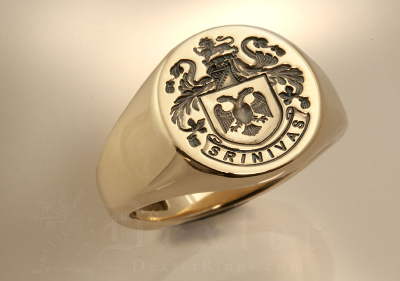 Srivinas Family Name / Plantagenet Style Arms / 'Show Engraving' / Round 9ct