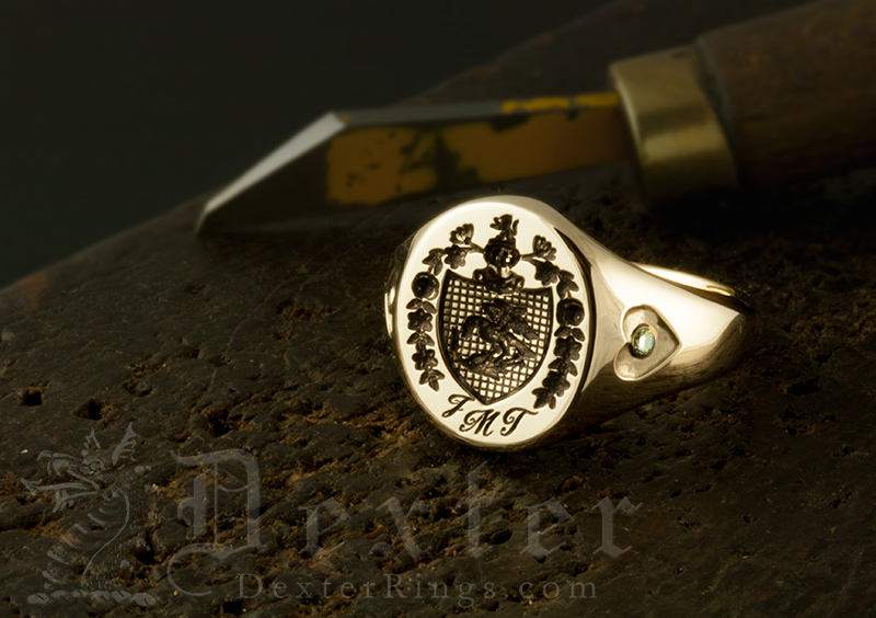 JMT Monogram / Lombardy Style Arms / 'Show Engraving' / Oval 9ct