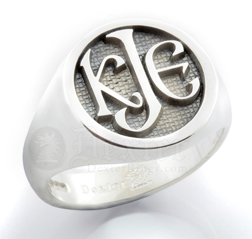 Monogramed Round Signet Ring - Celtic / Elevated
