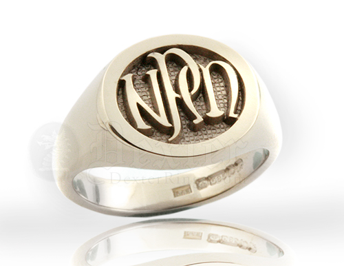 Monogramed Reverse Oval Signet Ring - Celtic / Elevated