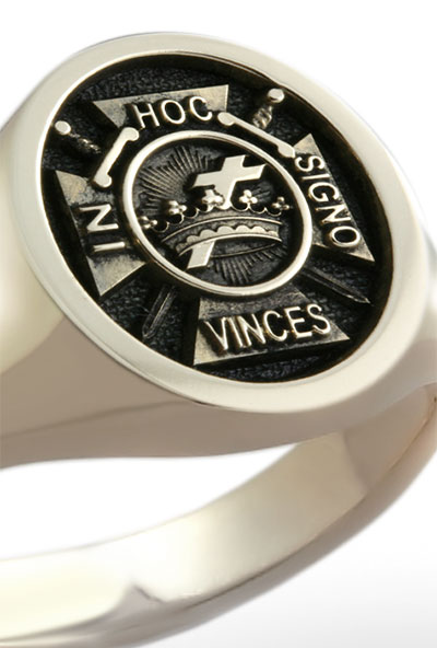 In Hoc Signo Vinces Knights Templar Emblem Elevated Engraved Oval Gold Signet Ring