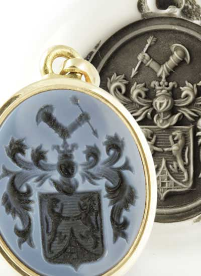 Sardonyx Pendant Engraved with a Coat-of-Arms