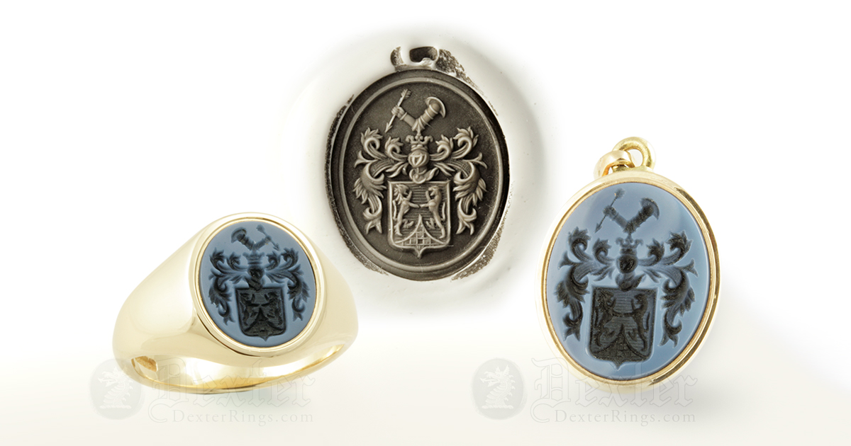 Sardonyx Gemstone Gold Pendant Engraved with a Coat-of-Arms
