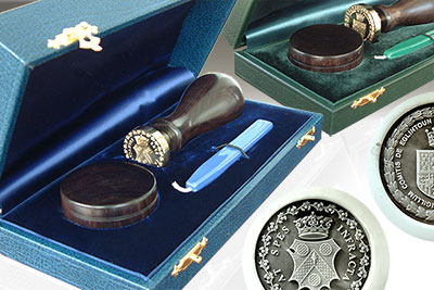 Bespoke Desk Seal Box (Blue Green Red Black Brown Available) ADD +£250