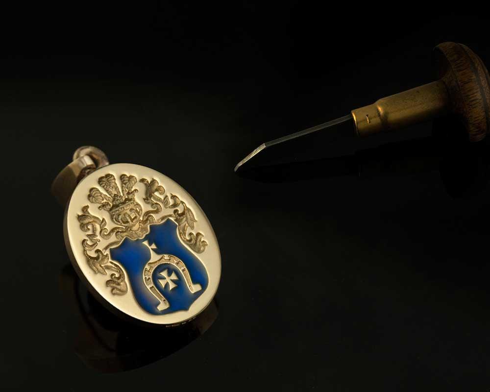 Pendant Engraved with an Heraldic Arms Enamelled Blue